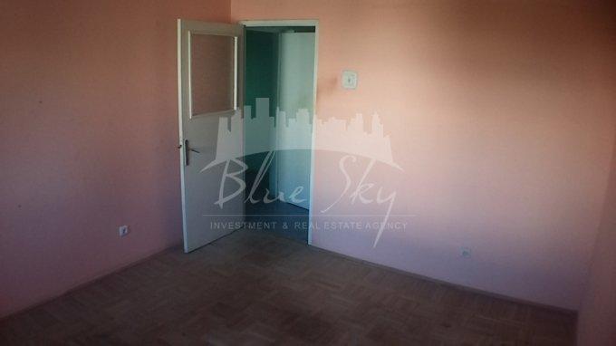 Apartament de vanzare in Constanta cu 3 camere, cu 1 grup sanitar, suprafata utila 70 mp. Pret: 60.800 euro negociabil.