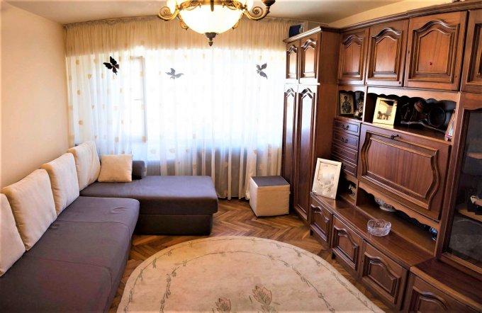 Apartament de vanzare direct de la agentie imobiliara, in Constanta, in zona Casa de Cultura, cu 74.000 euro. 1  balcon, 2 grupuri sanitare, suprafata utila 70 mp.