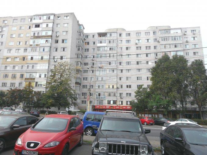 Apartament de vanzare in Constanta cu 3 camere, cu 1 grup sanitar, suprafata utila 65 mp. Pret: 62.500 euro. Usa intrare: Metal. Usi interioare: Lemn.