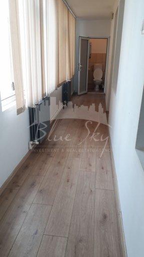 vanzare Apartament Constanta cu 3 camere, cu 1 grup sanitar, suprafata utila 80 mp. Pret: 69.000 euro negociabil.