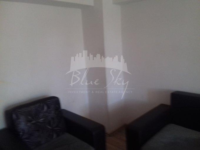 Apartament vanzare Casa de Cultura cu 3 camere, etajul 2, 1 grup sanitar, cu suprafata de 75 mp. Constanta, zona Casa de Cultura.