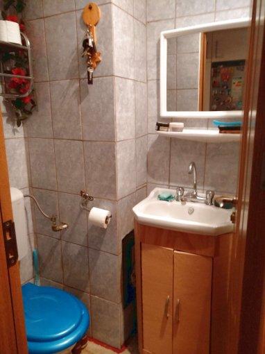 Apartament de vanzare direct de la agentie imobiliara, in Constanta, in zona Faleza Nord, cu 95.000 euro. 1  balcon, 1 grup sanitar, suprafata utila 70 mp.