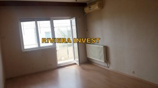 Apartament cu 3 camere de vanzare, confort 1, zona Delfinariu,  Constanta