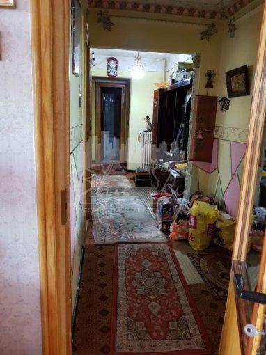 vanzare Apartament Constanta cu 3 camere, cu 1 grup sanitar, suprafata utila 75 mp. Pret: 70.000 euro negociabil.