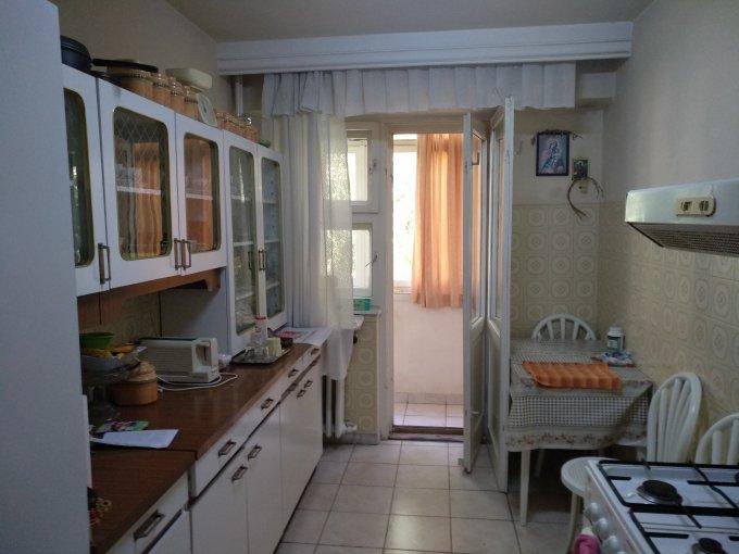 Apartament de vanzare in Constanta cu 3 camere, cu 1 grup sanitar, suprafata utila 65 mp. Pret: 75.000 euro negociabil.