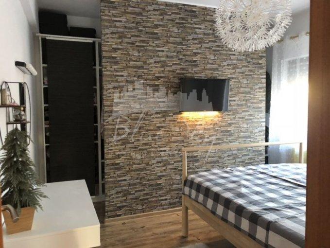 vanzare Apartament Constanta cu 3 camere, cu 1 grup sanitar, suprafata utila 113 mp. Pret: 90.000 euro negociabil.