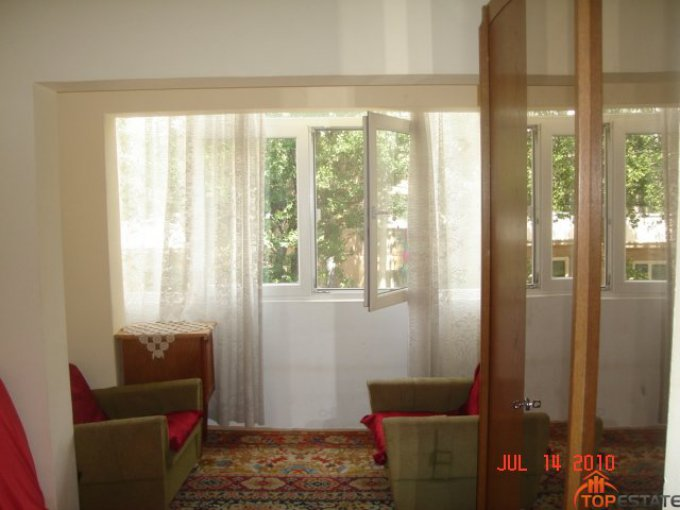 inchiriere apartament decomandata, zona Tomis 3, orasul Constanta, suprafata utila 68 mp