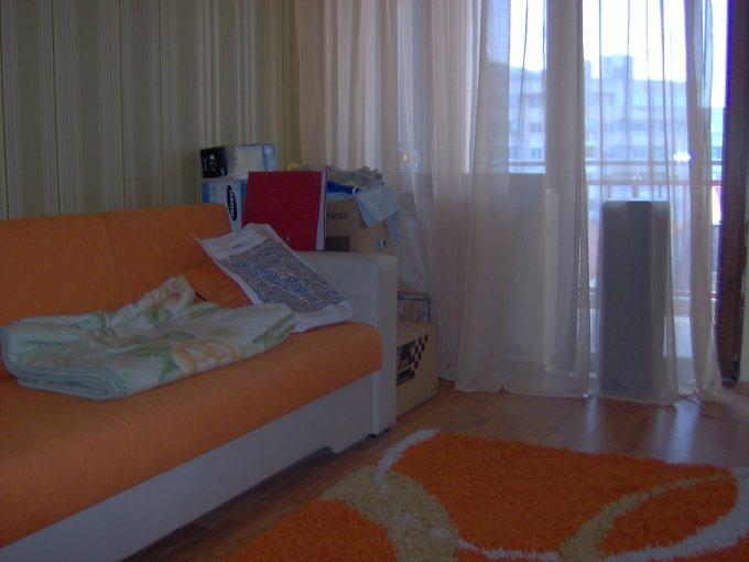 vanzare apartament cu 3 camere, decomandata, in zona Trocadero, orasul Constanta