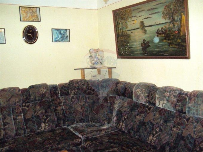 inchiriere apartament cu 3 camere, semidecomandata, in zona Casa de Cultura, orasul Constanta