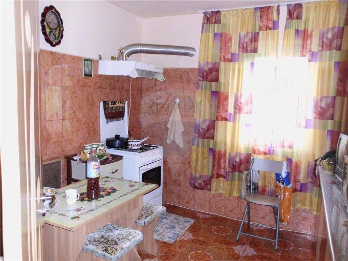agentie imobiliara vand apartament decomandata, in zona Central, orasul Murfatlar Basarabi