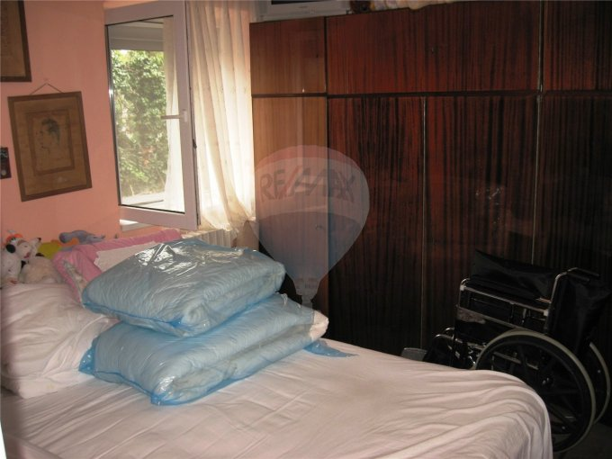 Apartament cu 3 camere de vanzare, confort 1, zona Tomis 3,  Constanta