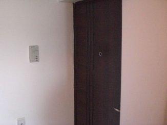 vanzare apartament cu 3 camere, semidecomandata, in zona Tomis Nord, orasul Constanta