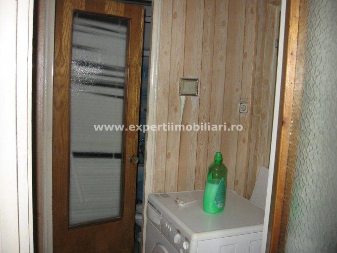 Apartament cu 3 camere de vanzare, confort 1, zona Far,  Constanta