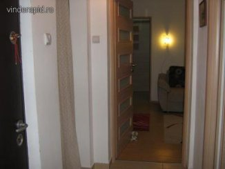 vanzare apartament cu 3 camere, decomandat, in zona Tomis 1, orasul Constanta