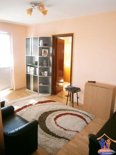 Constanta, zona Tomis 3, apartament cu 3 camere de inchiriat, Mobilat modern