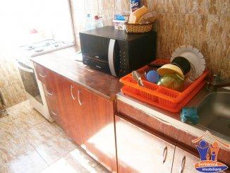 Apartament cu 3 camere de inchiriat, confort 2, zona Tomis 3,  Constanta