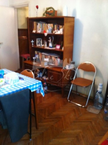 Apartament vanzare Constanta 3 camere, suprafata utila 60 mp, 1 grup sanitar. 42.500 euro negociabil. La Parter. Apartament Constanta