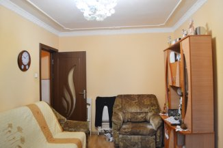 Apartament cu 3 camere de vanzare, confort 2, zona Tomis 3,  Constanta