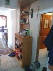 Apartament cu 3 camere de vanzare, confort 2, zona Groapa,  Constanta