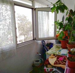 Apartament cu 3 camere de vanzare, confort 2, zona Intim,  Constanta