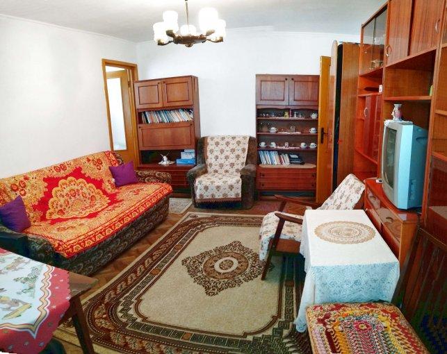Apartament vanzare Intim cu 3 camere, etajul 4 / 4, 1 grup sanitar, cu suprafata de 46 mp. Constanta, zona Intim.