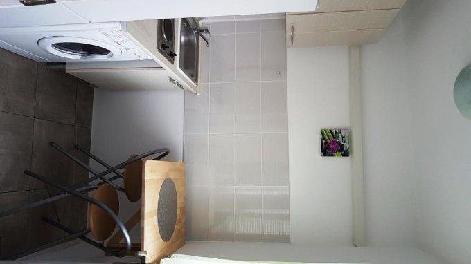 Apartament vanzare Brotacei cu 3 camere, etajul 3 / 4, 1 grup sanitar, cu suprafata de 40 mp. Constanta, zona Brotacei.