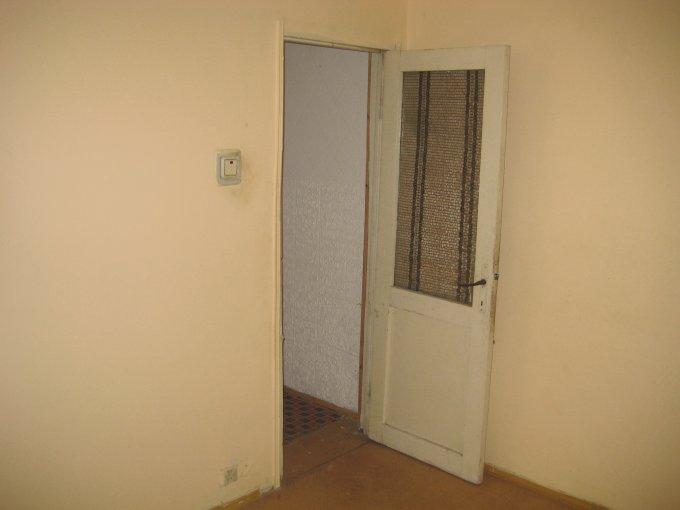 Apartament cu 3 camere de vanzare, confort 2, zona Casa de Cultura,  Constanta