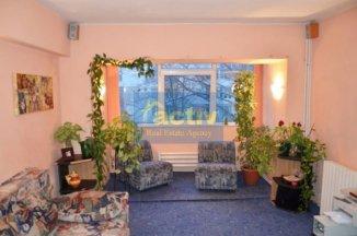 Constanta, zona Far, apartament cu 3 camere de vanzare