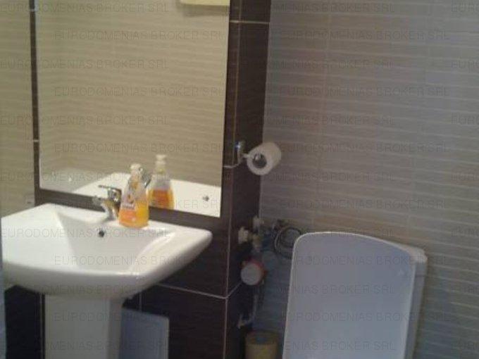 vanzare apartament decomandat, zona Capitol, orasul Constanta, suprafata utila 70 mp