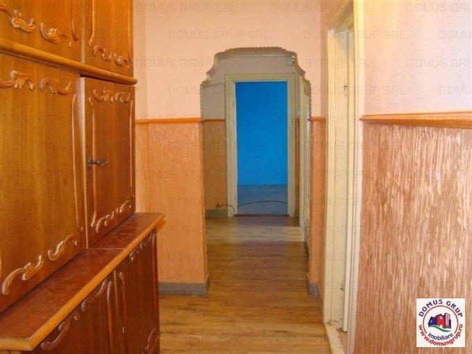 Constanta, zona Faleza Nord, apartament cu 3 camere de inchiriat, Semi-mobilat lux