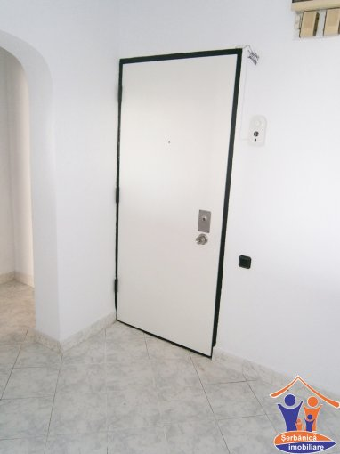 vanzare apartament decomandat, zona B-dul Mamaia, orasul Constanta, suprafata utila 77 mp
