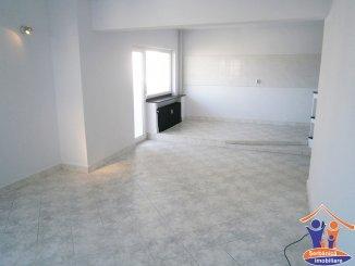 vanzare apartament cu 3 camere, decomandat, in zona B-dul Mamaia, orasul Constanta