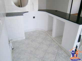 Constanta, zona B-dul Mamaia, apartament cu 3 camere de vanzare