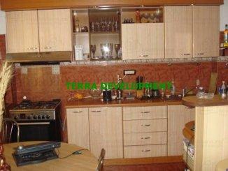 vanzare apartament cu 3 camere, decomandat, in zona Stadion, orasul Constanta