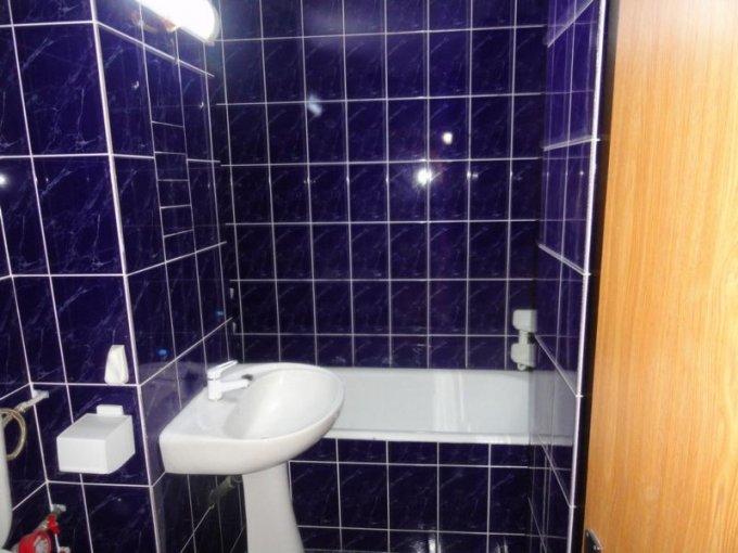 vanzare apartament cu 3 camere, decomandat, in zona Peco vechi, orasul Navodari
