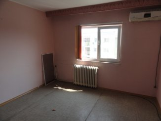 vanzare apartament decomandat, zona Peco vechi, orasul Navodari, suprafata utila 67 mp