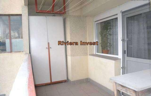 Constanta, zona Trocadero, apartament cu 3 camere de vanzare
