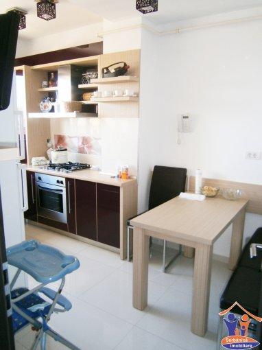 vanzare duplex decomandat, zona Faleza Nord, orasul Constanta, suprafata utila 100 mp