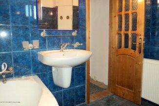 vanzare apartament cu 3 camere, decomandat, in zona Palazu Mare, orasul Constanta