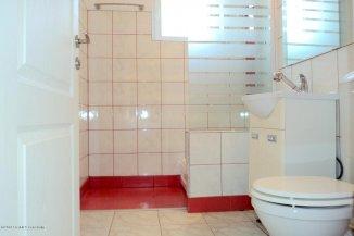 vanzare apartament cu 3 camere, decomandat, in zona Ultracentral, orasul Constanta