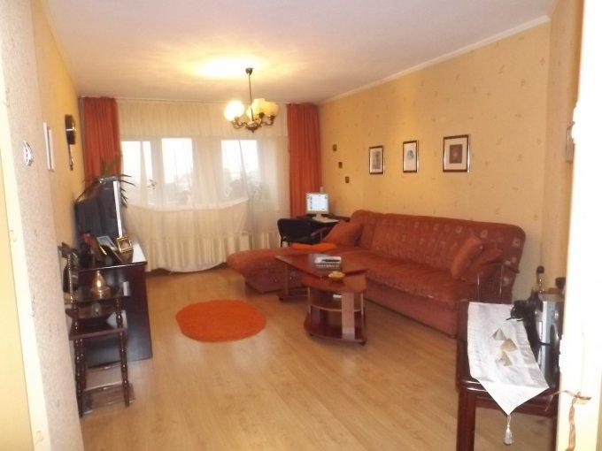vanzare Apartament Constanta cu 3 camere, cu 2 grupuri sanitare, suprafata utila 76 mp. Pret: 75.000 euro. Incalzire: Incalzire prin termoficare.