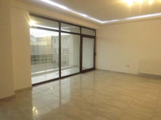 Apartament inchiriere Ultracentral cu 3 camere, etajul 3 / 6, 2 grupuri sanitare, cu suprafata de 200 mp. Constanta, zona Ultracentral.