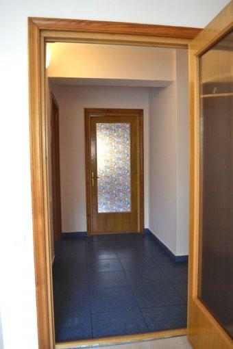 inchiriere Apartament Constanta cu 3 camere, cu 1 grup sanitar, suprafata utila 87 mp. Pret: 495 euro negociabil. Incalzire: Centrala proprie a locuintei.