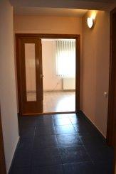inchiriere apartament decomandat, zona Delfinariu, orasul Constanta, suprafata utila 87 mp