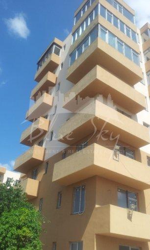 Apartament vanzare Campus cu 3 camere, etajul 5, 2 grupuri sanitare, cu suprafata de 370 mp. Constanta, zona Campus.