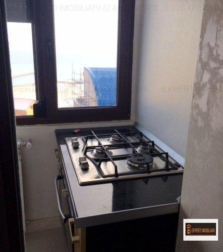Apartament de vanzare direct de la agentie imobiliara, in Constanta, in zona Faleza Nord, cu 150.000 euro. 1  balcon, 2 grupuri sanitare, suprafata utila 100 mp.