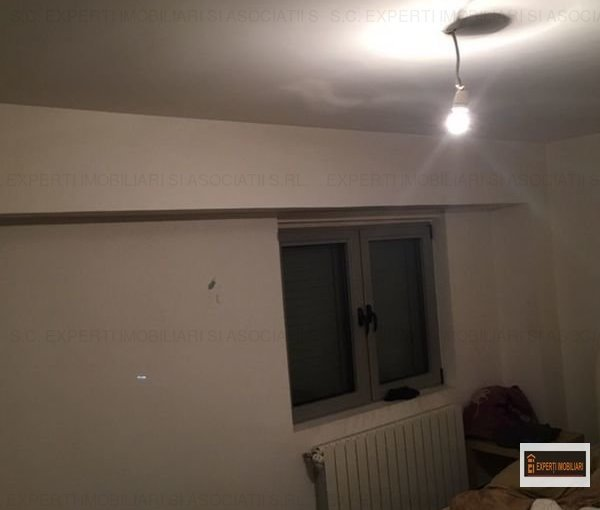 inchiriere Apartament Constanta cu 3 camere, cu 2 grupuri sanitare, suprafata utila 72 mp. Pret: 600 euro. Incalzire: Centrala proprie a locuintei. Racire: Aer conditionat.