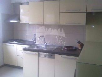 inchiriere apartament cu 3 camere, decomandat, in zona Piata Ovidiu, orasul Constanta