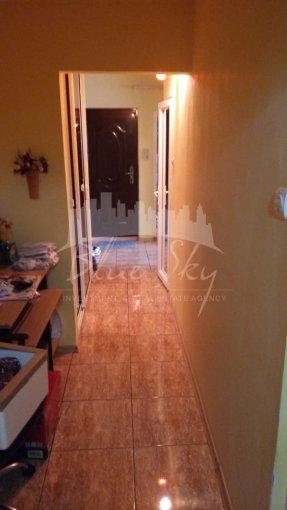vanzare Apartament Constanta cu 3 camere, cu 2 grupuri sanitare, suprafata utila 68 mp. Pret: 55.500 euro negociabil.
