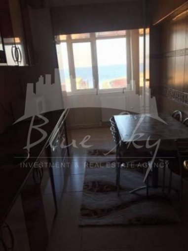 Apartament de vanzare in Constanta cu 3 camere, cu 2 grupuri sanitare, suprafata utila 80 mp. Pret: 98.000 euro negociabil.